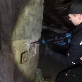 Reparaturen am Schornstein in Köln